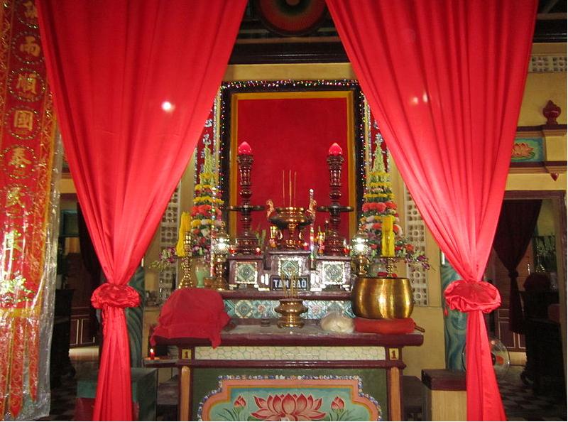 Một số mẫu rèm phòng thờ đẹp phù hợp với nhiều không gian nội thất